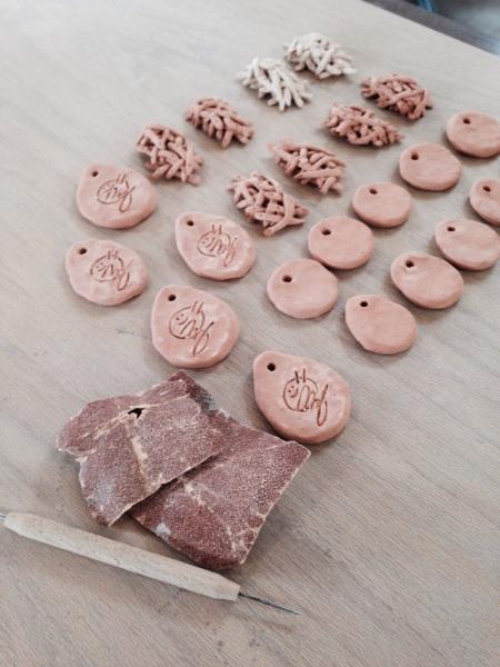 フリーアナウンサー シンガー 廣木弓子 オフィシャルサイト K-mix 陶芸 サイン入り1